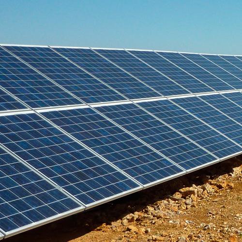 placas solares tierra-seca