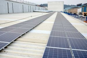 Placas solares en los almacenes Amazon